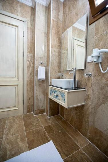 ayvalik-banyo (7)